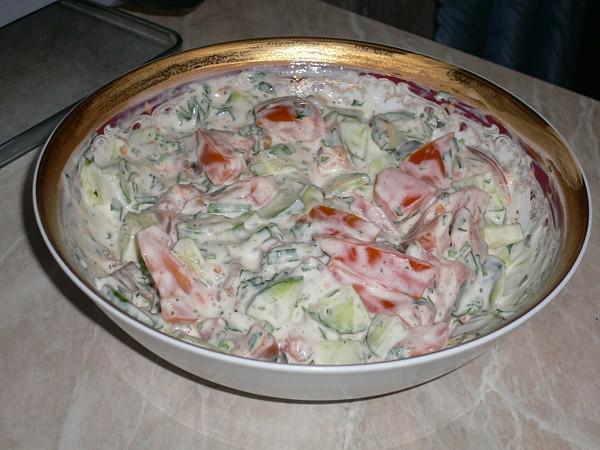Как сделать салат из помидор и майонеза 790